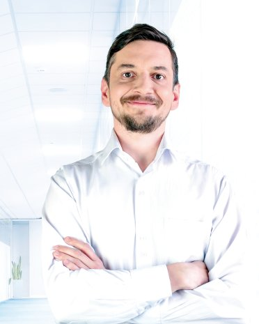 MUDr. Ľubomír Poliak | liečba bolesti chrbta