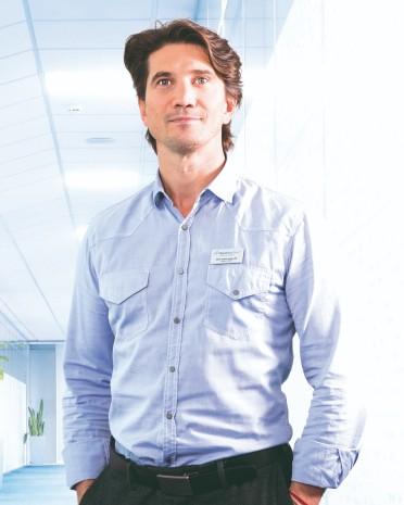 MUDr. Róbert Tirpák | liečba bolesti chrbta